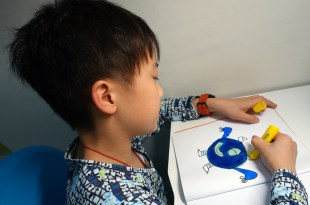 美術遊戲書單分享:Dots & Spots超級點點畫冊, 可重覆貼紙美術書及神奇水畫本