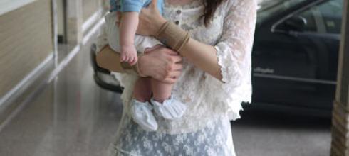 [育兒日記]阿木阿木我愛你-第一個母親節