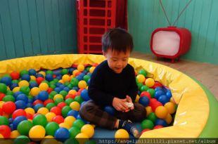 [3y1m] 寶寶攝影~趁孩子還願意不停換裝時一定要拍(側拍紀錄)