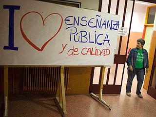 Ver vídeo  'Los encierros en los Institutos madrileños abonan el terreno para una nueva huelga en Educación'