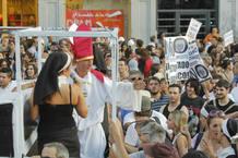 Durante la manifestación, algunas personas han teatralizados escenas de la Jornada Mundial de la Juventud.