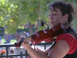 Ver vídeo  'Los peregrinos de la Jornada Mundial de la Juventud llenan plazas y parques en las actividades culturales'