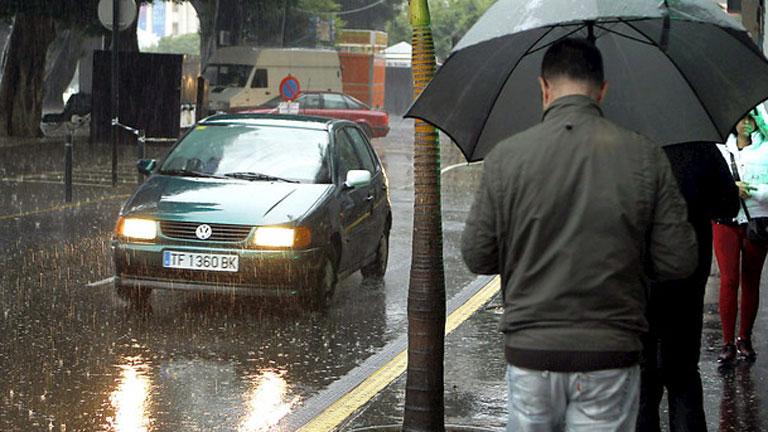 https://i0.wp.com/img.irtve.es/imagenes/sigue-lluvia-canarias/1386258329846.jpg