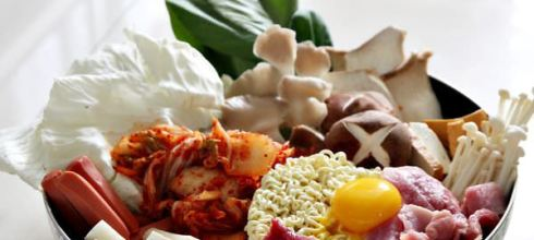 【韓式料理-部隊鍋-材料-食譜】不藏撇步廚房_韓國料理部隊鍋,超簡單好吃
