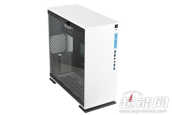 迎廣303機箱評測:入門水冷平臺的新選擇 - ITW01