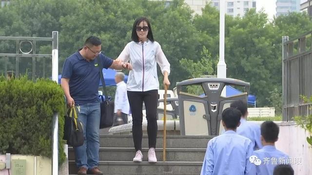 看見盲人過馬路 你會幫忙嗎?記者在街頭做了一個測試…… - ITW01