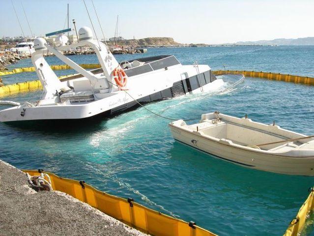 Sunken Yachts 34 Pics