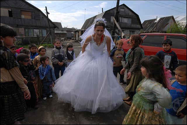Sad Gypsy Wedding (17 pics)