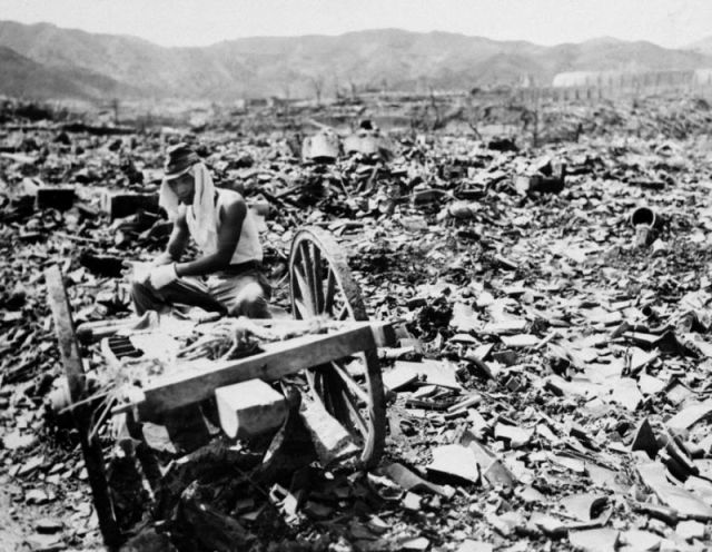 Frightening Hiroshima and Nagasaki Atomic Bomb Pictures