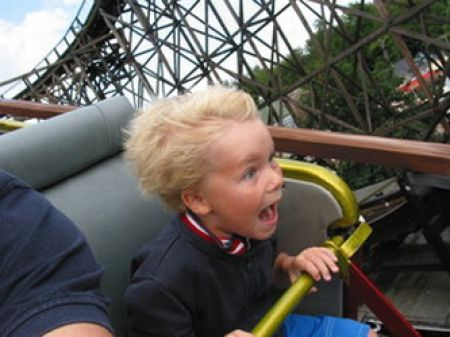 completely_freaked_out_roller_coaster_ride_faces_640_15