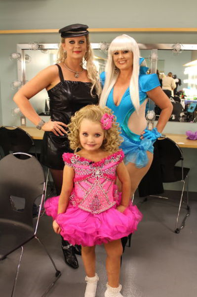 Stupid Mothers And Child Beauty Pageants Will They Ever