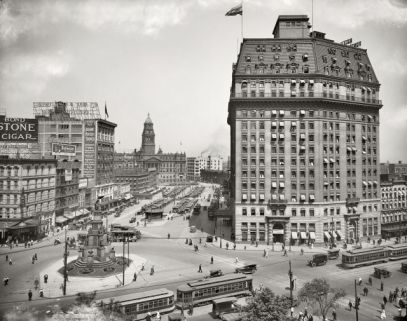 An early 20th century American city