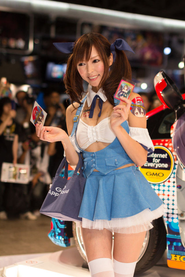 Tokyo Beauties at 2012 Game Show (50 pics) - Izismile.com