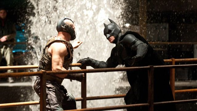 Actionpacked Behindthescenes Photos of the Batman vs Bane Fight Scene 45 pics  Izismilecom