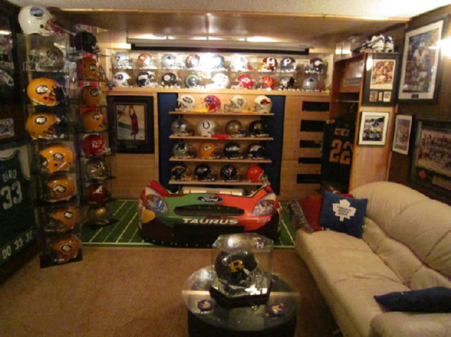 Awesome Examples of Totally DroolWorthy Man Caves 32