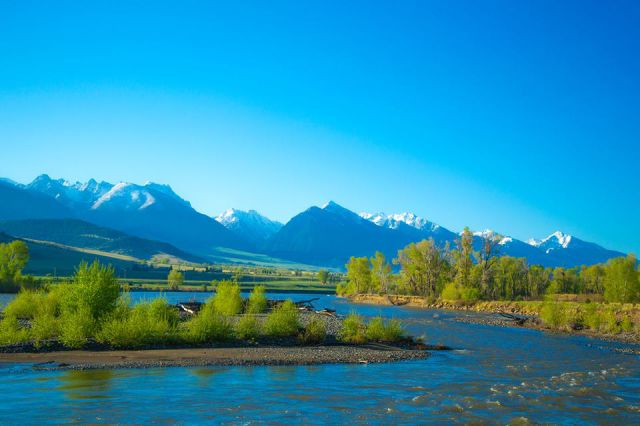 Paradise Valley and the Yellowstone River, near Livingston, MT