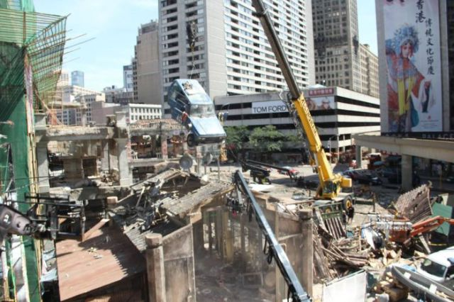 "An Inside Look at the ""Transformers"" Movie Set"