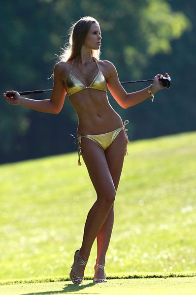 Girls Looking Gorgeous Playing Golf 51 Pics