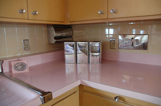 A Retro Kitchen That Is a Flashback to the Past 22 pics  Izismilecom