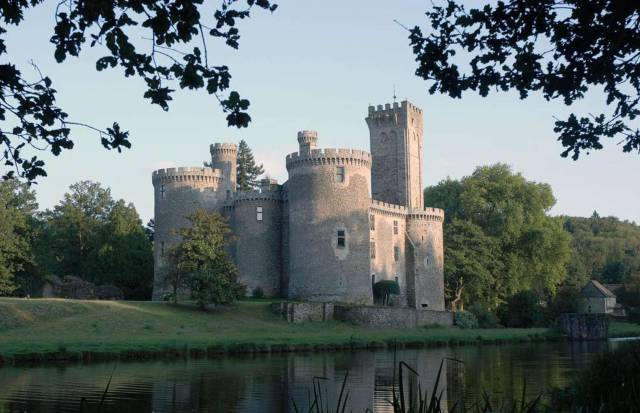 Amazing Castles For Sale Around The World 38 pics