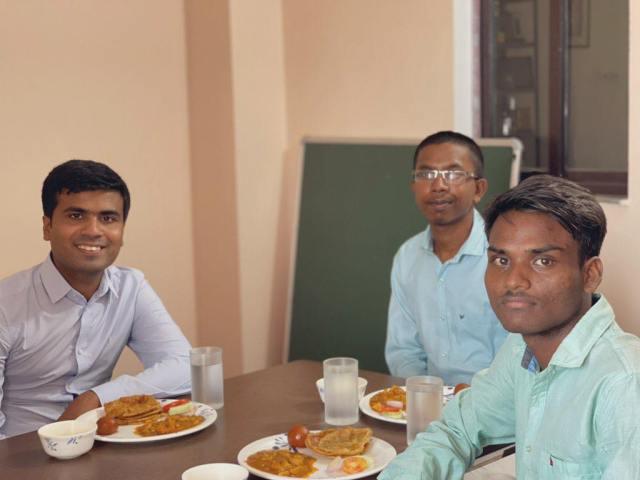 निपुणता के सीईओ श्री शरद सागर के साथ गौतम और अनोज