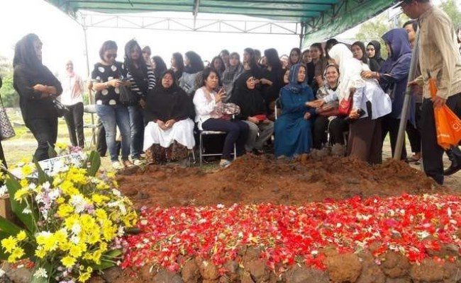 Bogor Police Exhumes Body Of Gladiator Fight Victim For