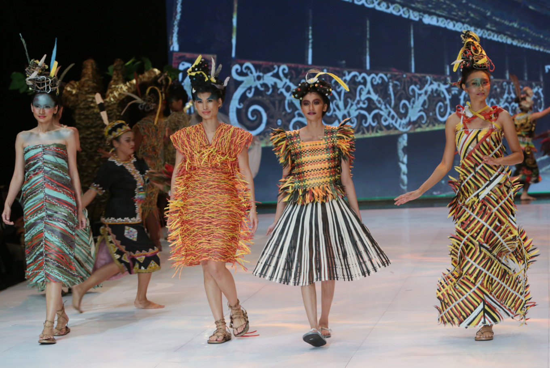 Musa Widyatmodjo Presents Eco Faux Designs At Indonesia