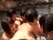 【女子校生】温泉でバイト中のJK集団に襲われてザーメン枯渇待ったなしw