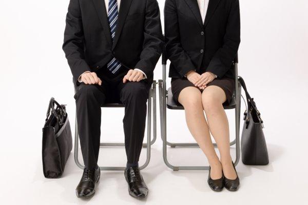 画像】変化する就職活動の最前線 リクルートスーツ無料レンタルも (1枚目)| 女性自身