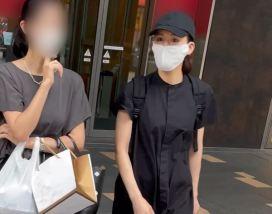 エンタメ|綾瀬はるか 五輪CM女王の意外な夕食…千円親子丼を持ち帰り姿