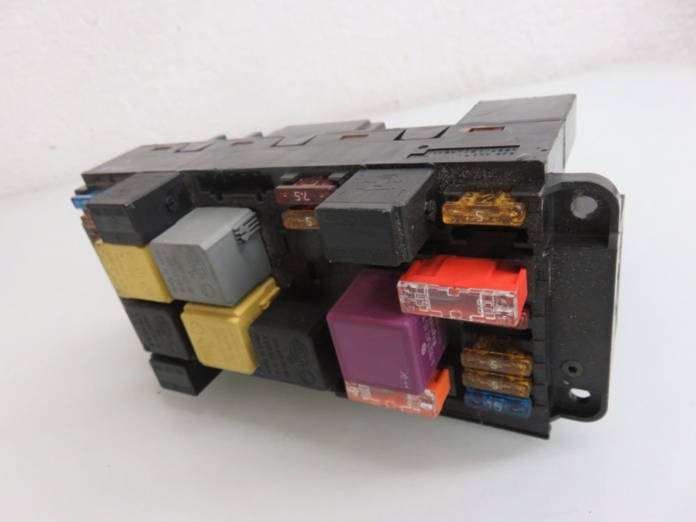 medium resolution of 03 09 mercedes w209 clk500 front sam module fuse box relay oem a 209 545