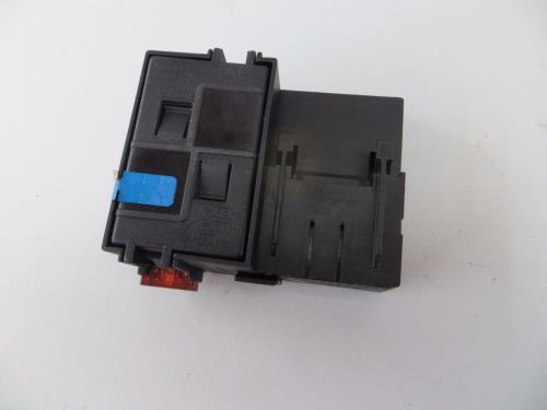 small resolution of 2003 2006 mercedes sl55 sl500 r230 trunk relay junction fuse box 2305450101 230 545 0101