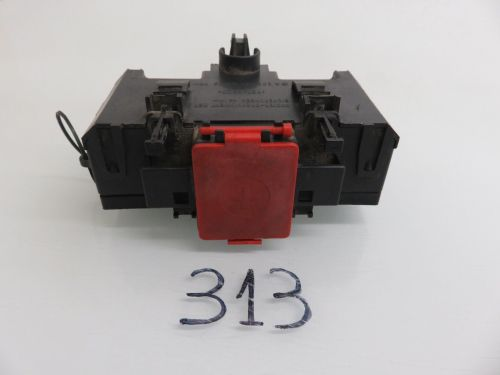 small resolution of 01 07 mercedes benz w203 c230 c240 terminal fuse box positive negative connector 2035450803