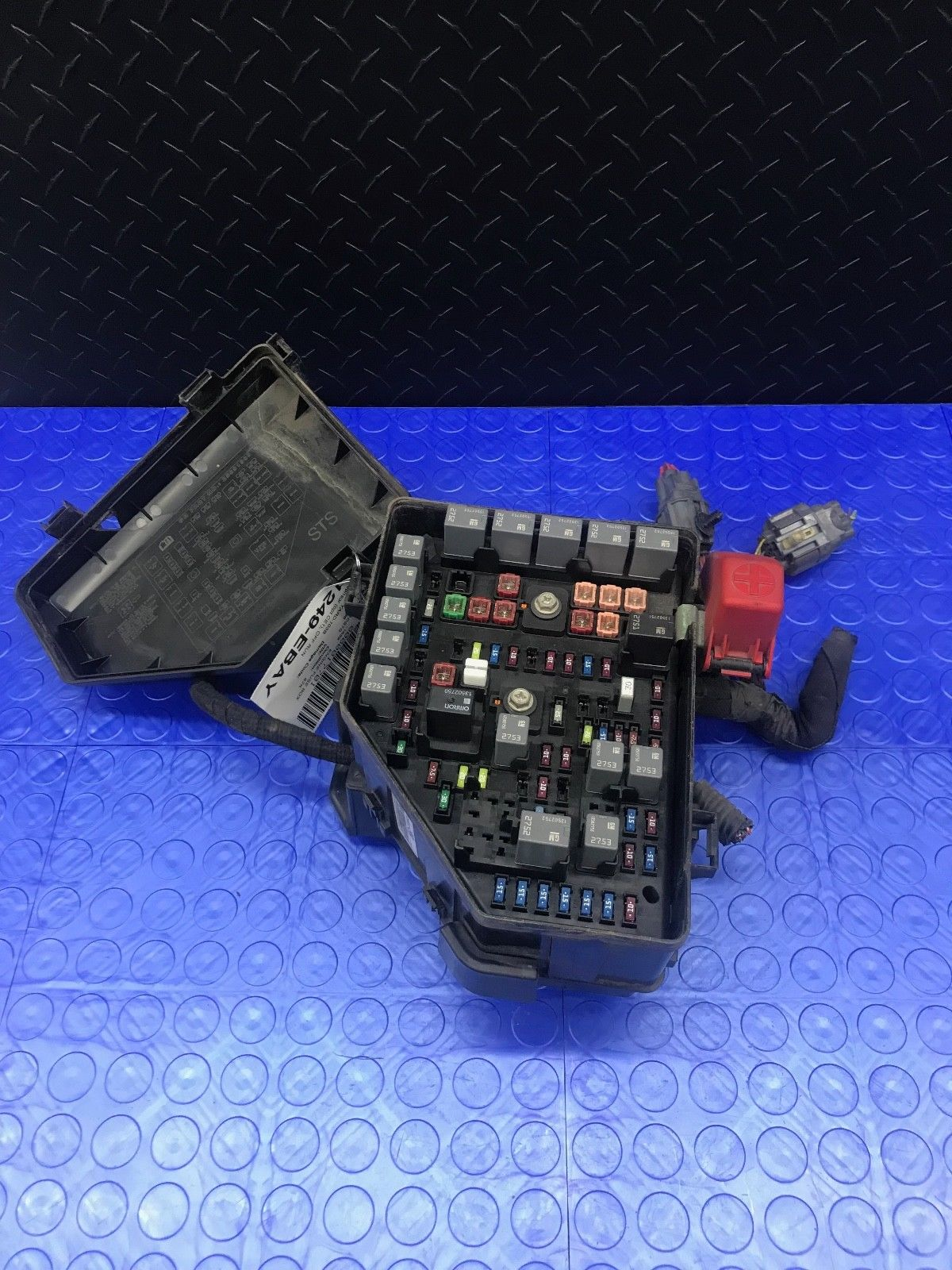 hight resolution of oe cadillac sts part engine em relay em fuse power distribution