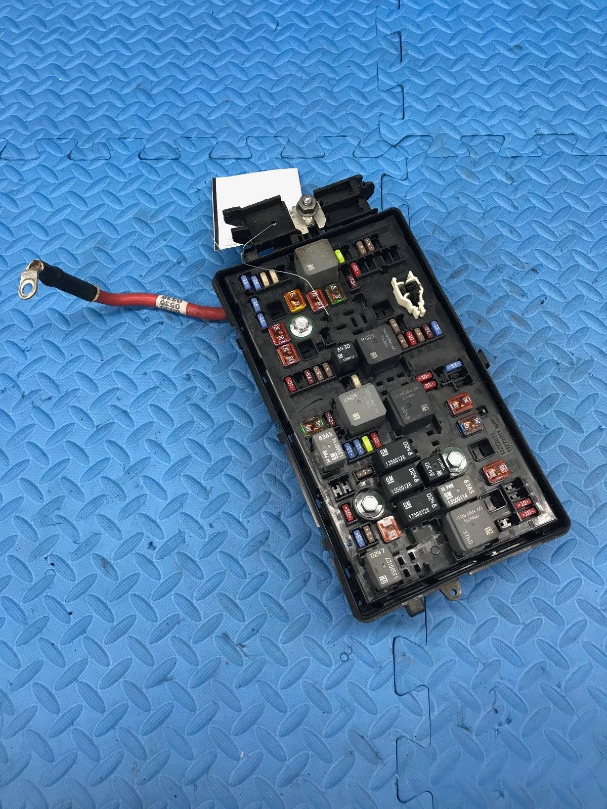 hight resolution of genuine gm 812461952 engine relay fuse power distribution junction box 23158838 does not apply