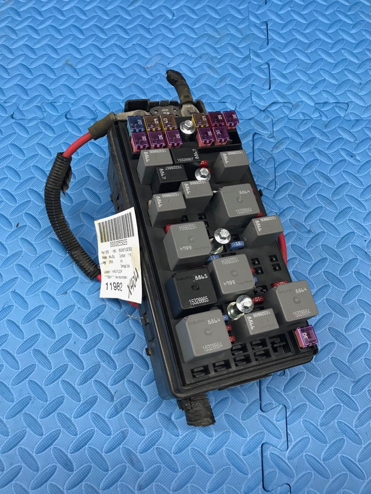 hight resolution of genuine gm part main wire wiring junction fuse block relay panel 25883018 does not apply