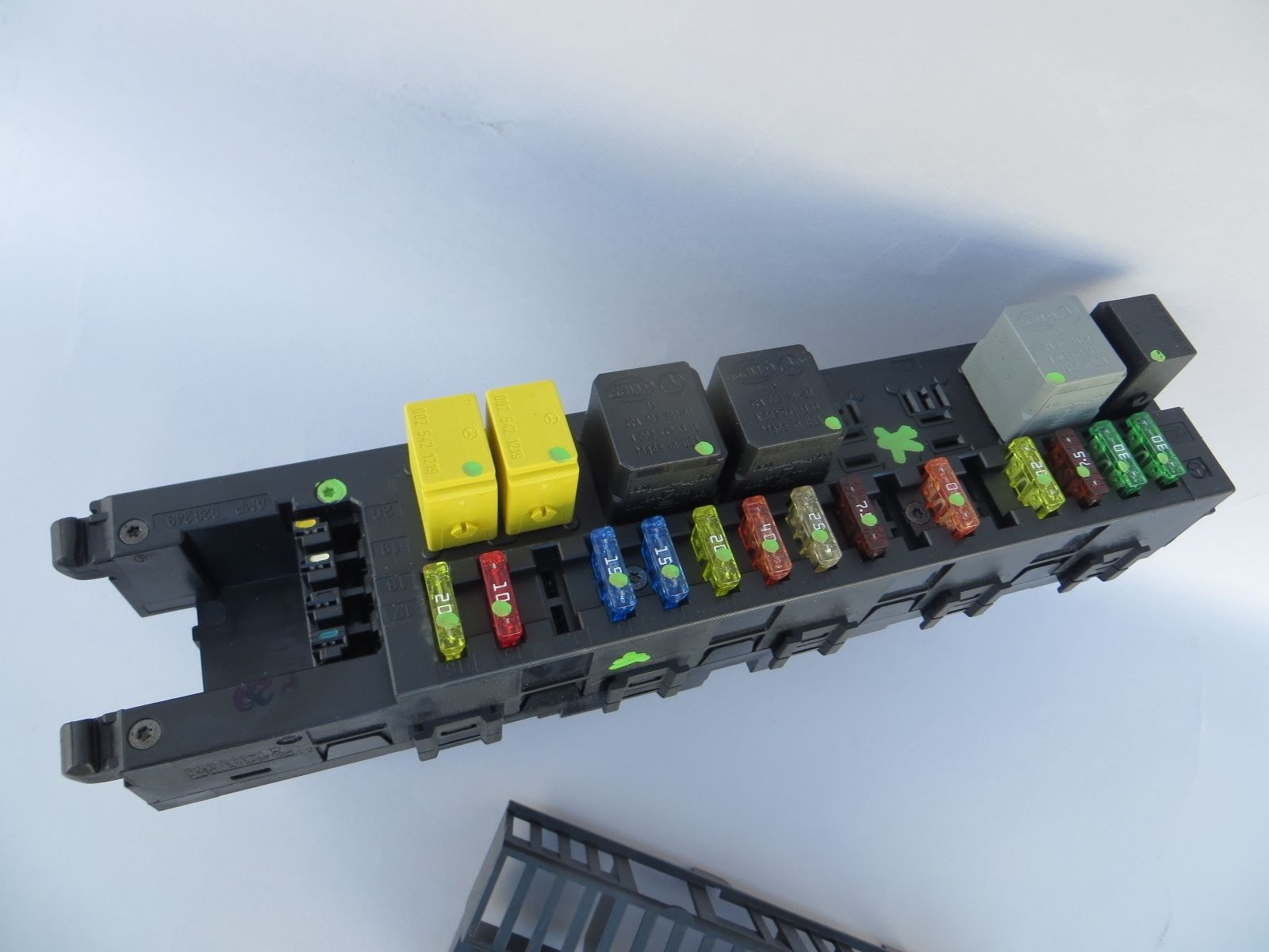 hight resolution of 2007 mercedes cls550 e350 trunk fuse box rear sam module 2115455301 e550 cls63 2115455301
