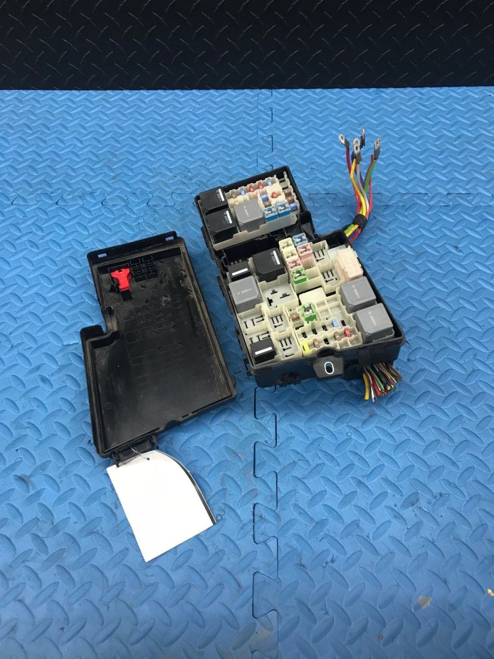 medium resolution of 2015 ford escape wire wiring junction fuse block relay panel box av6t 14a067 ad