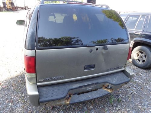 small resolution of chevy blazer right rear door glass vent window gmc jimmy passenger side does not apply 45429