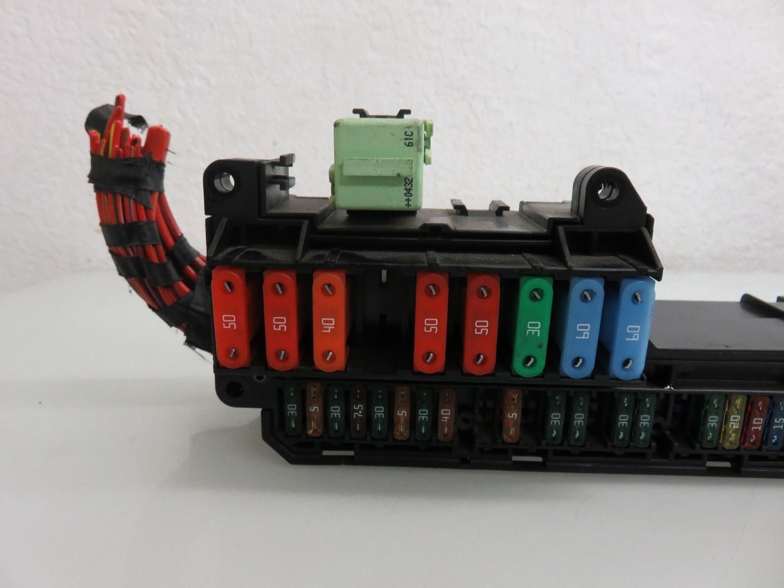 hight resolution of 04 07 bmw e60 545i 550i front power distribution fuse box 6932452 oem 6932452