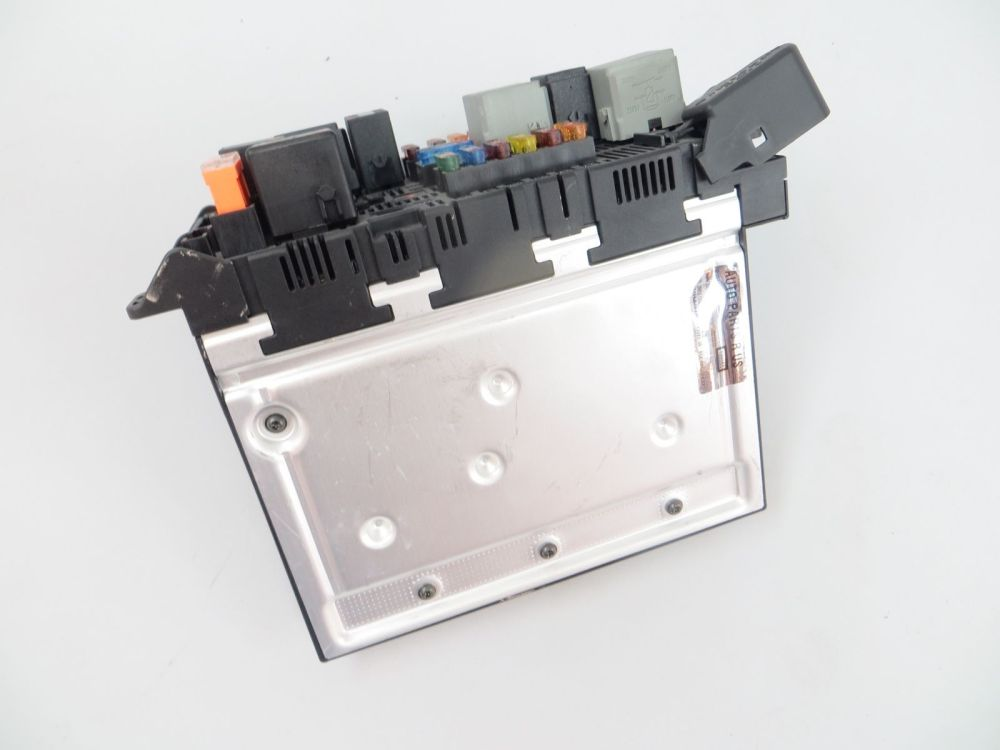 medium resolution of 2003 2006 mercedes e500 w211 front left fuse box sam module 2115453101 e320 e55 mercedes