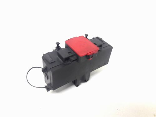 small resolution of 2006 mercedes c230 positive battery terminal charge junction fuse box 2035450301 does not apply