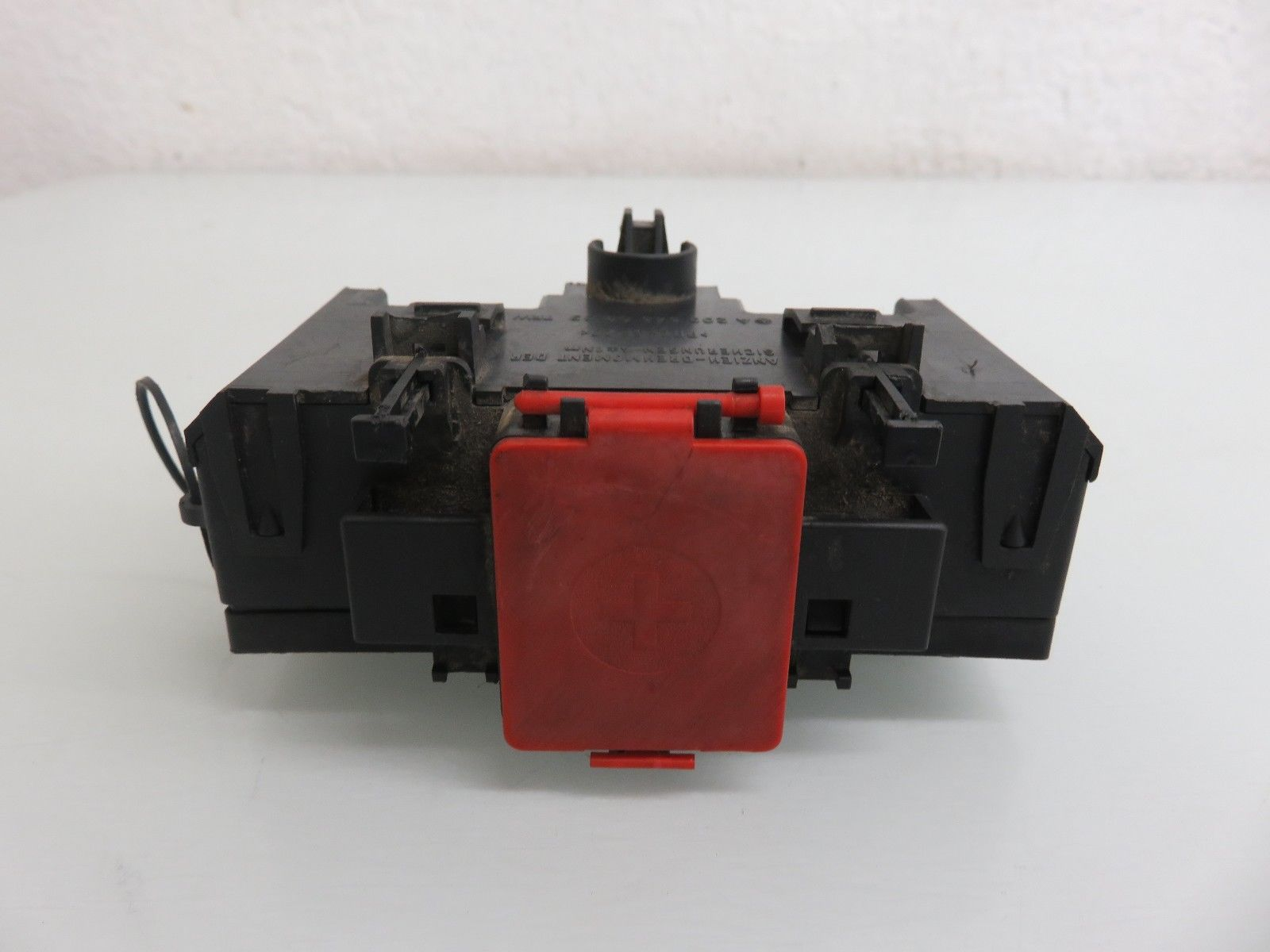 hight resolution of 01 07 mercedes benz w203 c230 c240 terminal fuse box positive negative connector 2035450803