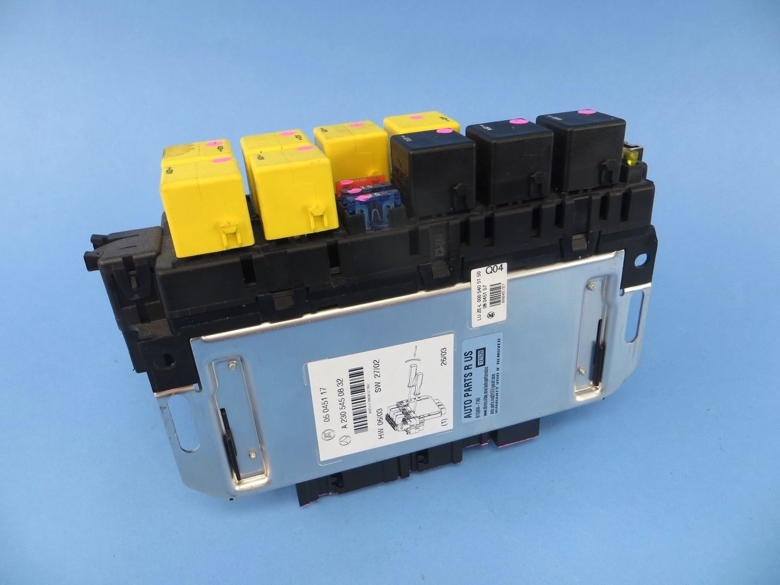hight resolution of 2003 2006 mercedes benz r230 sl500 front left fuse box sam module oem sl55