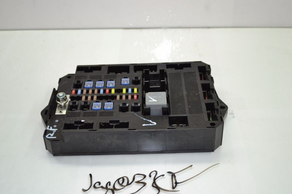 medium resolution of 2009 2010 2011 jaguar xf cabin fuse box relay 8x2t 14b476 ad