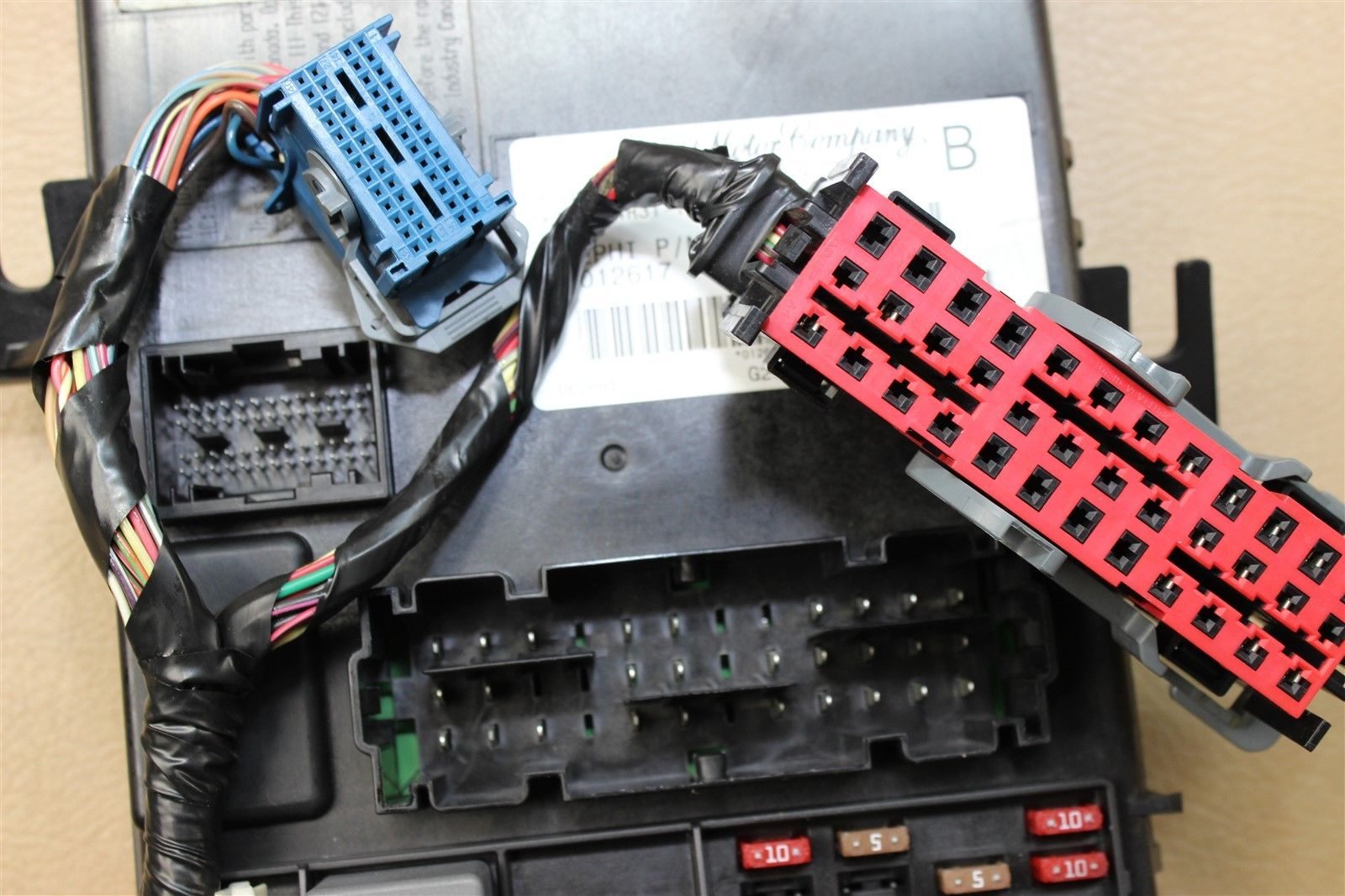 hight resolution of 05 06 ford mustang interior fuse box body control module bcm 4r3t 14b476