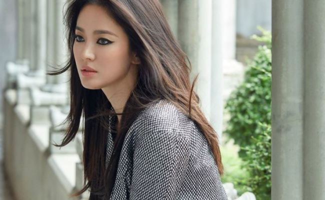 Song Hye Kyo Continues Model Work For Shoe Brand