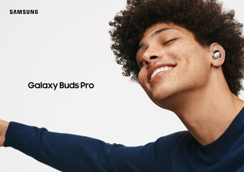 Samsung'Galaxy Buzz Pro' in use