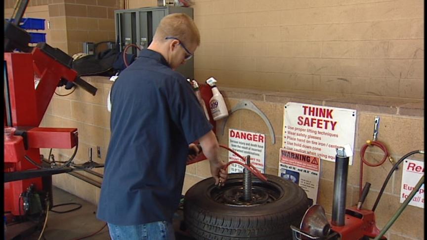 Filling Car Tires Nitrogen