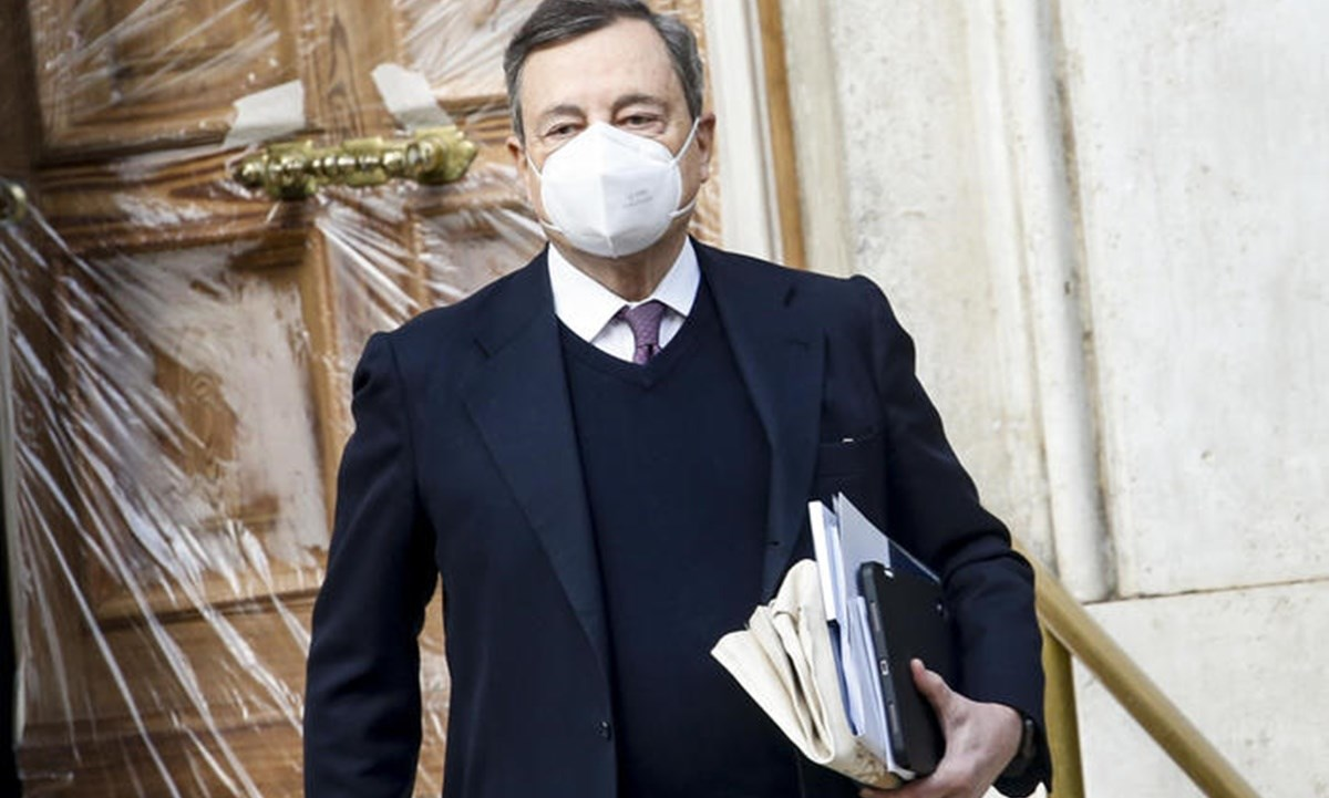 Nuovo decreto Covid, Draghi dice no al coprifuoco alle 23: scontro con la  Lega